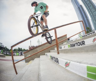 Alex Donnachie competes in the 2015 Dew tour in Chicago.